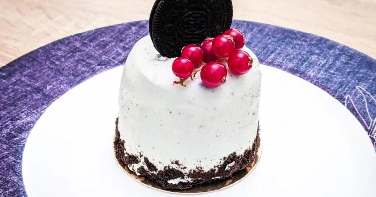 Oreo Cheesecake Entremet Cakes