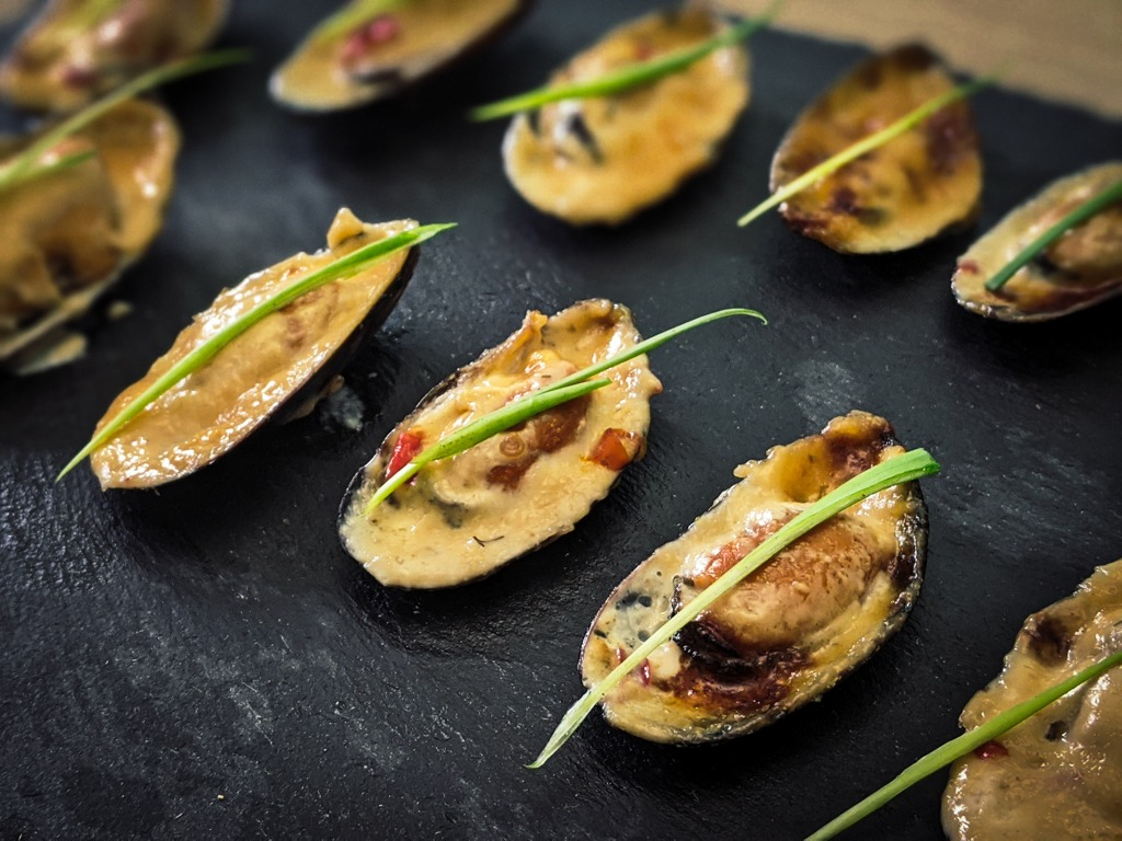 Asian baked mussels