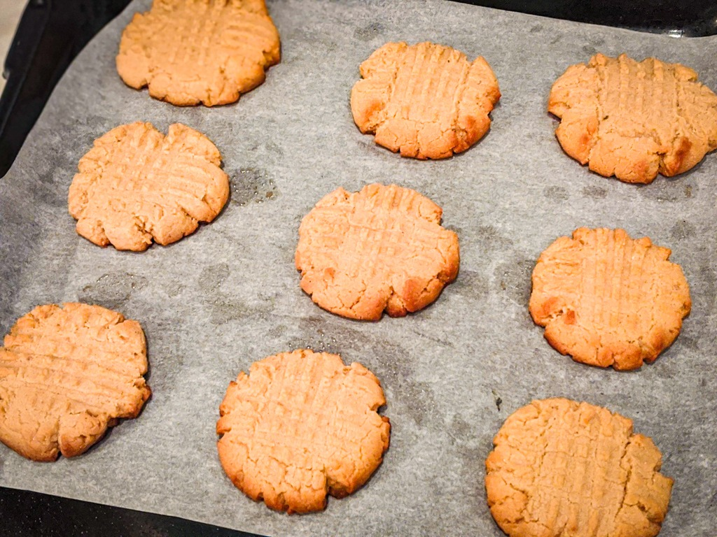 cashew butter cookies right out of the oven