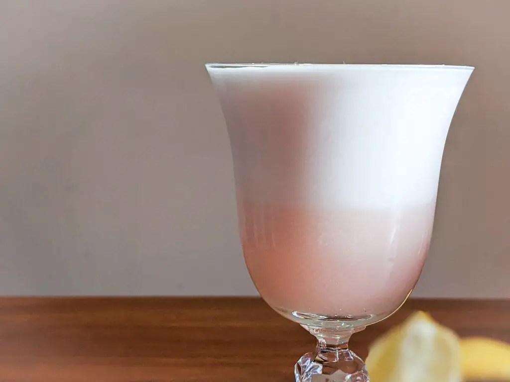 cocktail foam before it settles