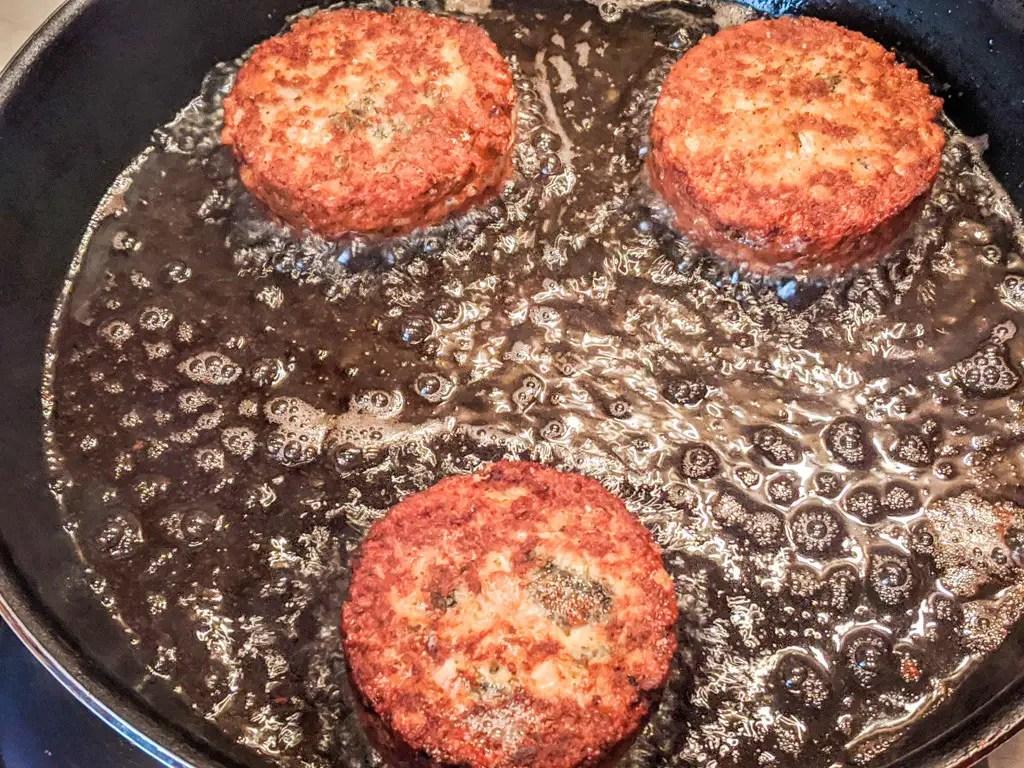 frying salmon cakes