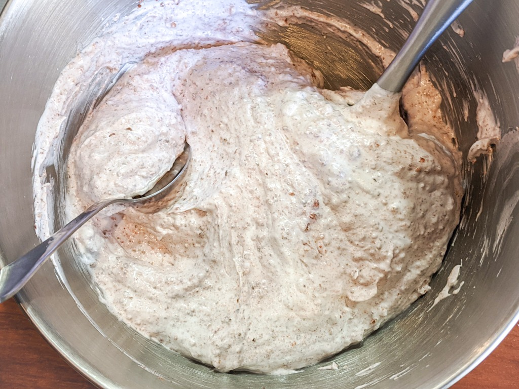 strawberry walnut meringue cookies mixture