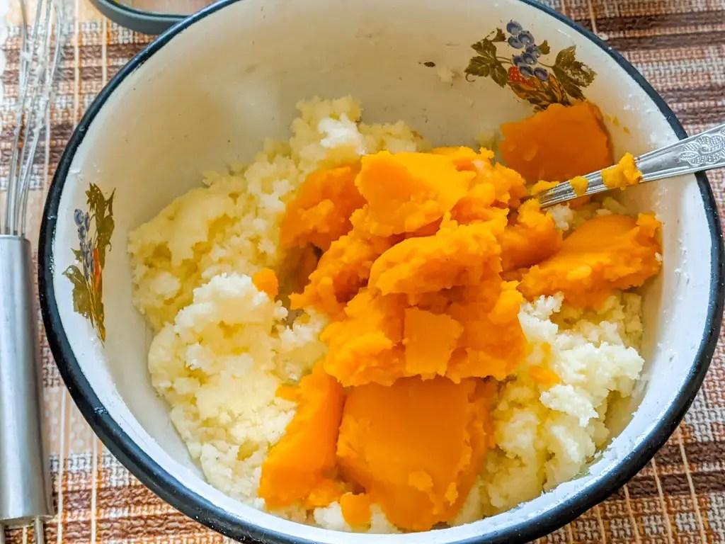 Pumpkin Cookies With Cinnamon Cream Cheese Frosting wet ingredients