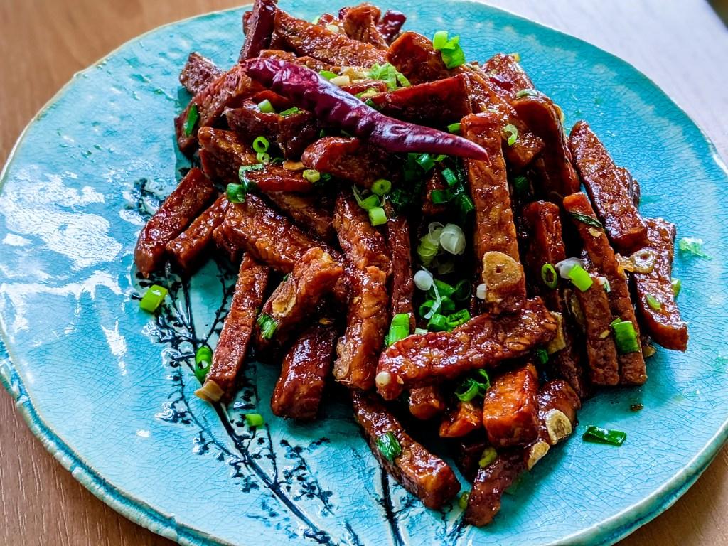 spicy thai fried tempeh
