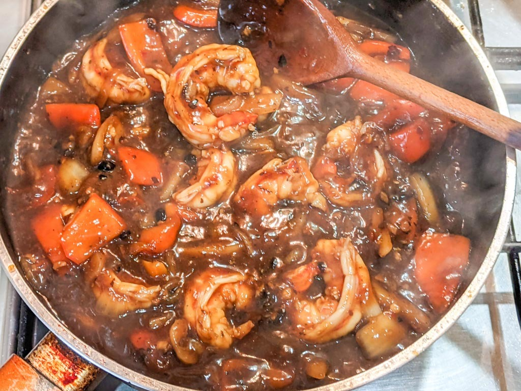 Cooking the Cantonese Style Black Bean Shrimp (Prawns)