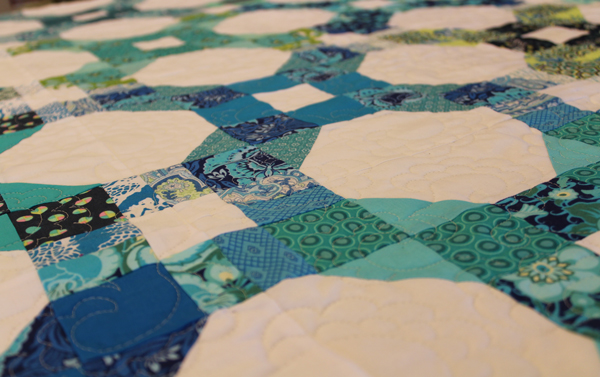 Chainlink Pattern Quilt Finish