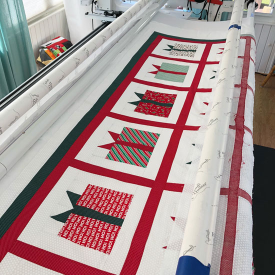 Holiday gift boxes quilt