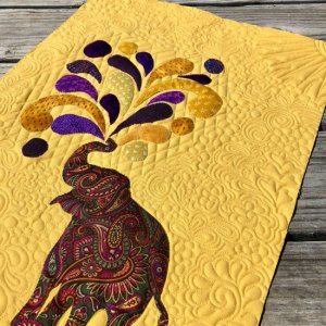 Elephant Mini Applique quilt quilted by Beth Sellers of Cooking Up Quilts