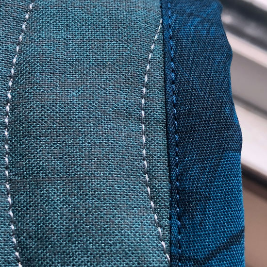 Attached binding using the edge joining foot