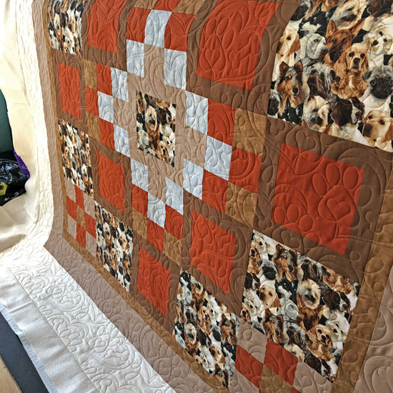 Puppy Love quilted by Beth Sellers of Cooking Up Quilts