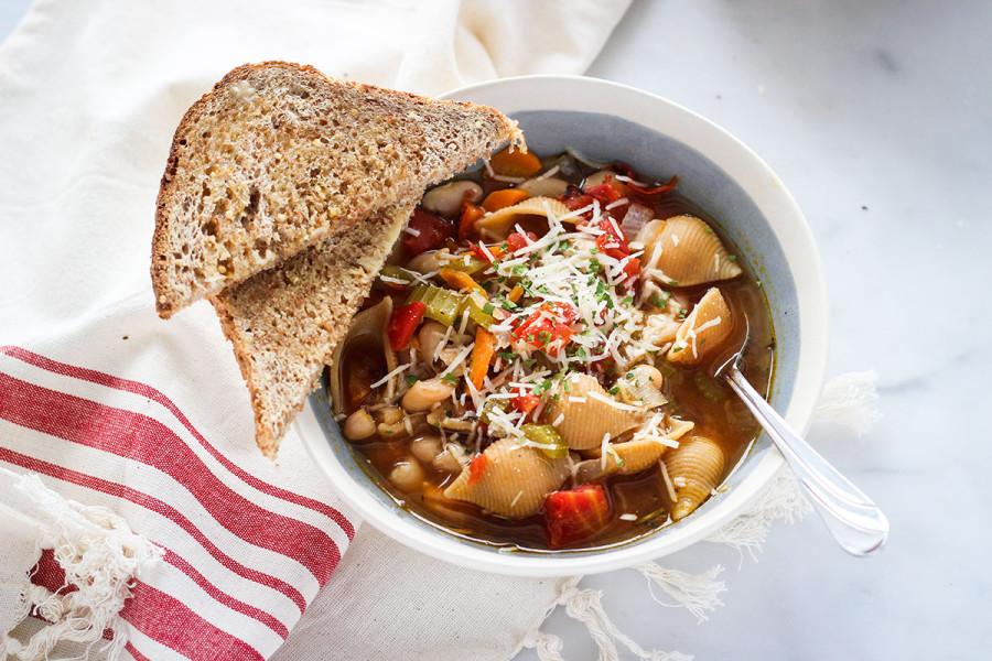 Pasta-Fagioli-Soup-2-e1458841655105