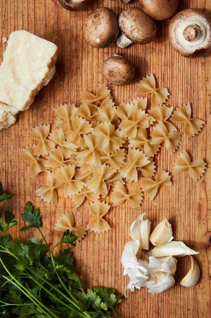 Mushroom Garlic Pasta Ingredients