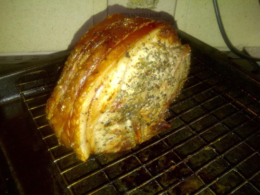 Roast Shoulder of Pork with Crackling and Homemade Pork Gravy (1/4)