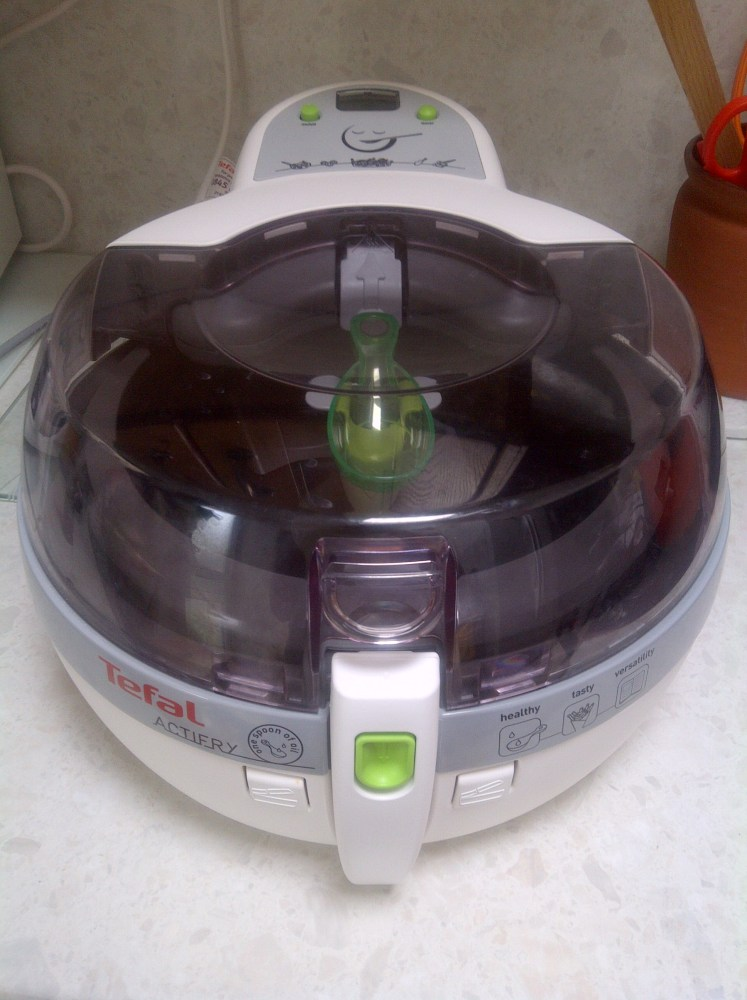 Chips/ Fries in the Tefal ActiFry - Syn Free!!! (2/3)