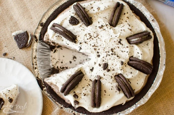The finished oreo pie.