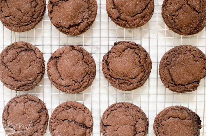 baked chocolate cookies