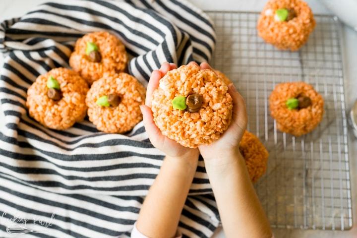 pumpkin rice krispie treats kid