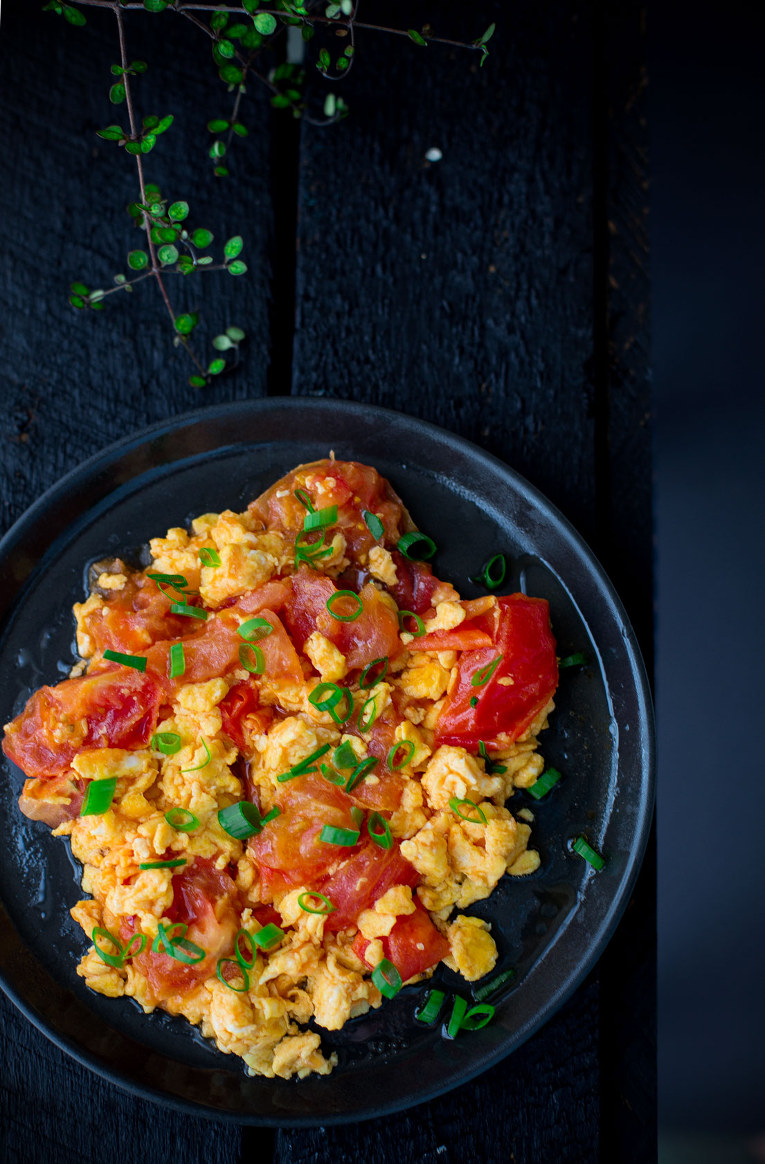 Scrambled Eggs With Tomatoes - Cooking With Lei