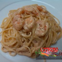 Spaghetti con gamberi e uova di lompo