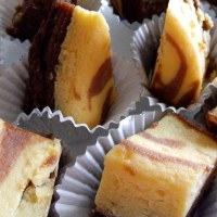 Steamed Brownies with Cheese Cake Layer