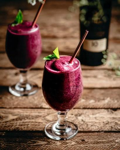 Boozy Berry Smoothies