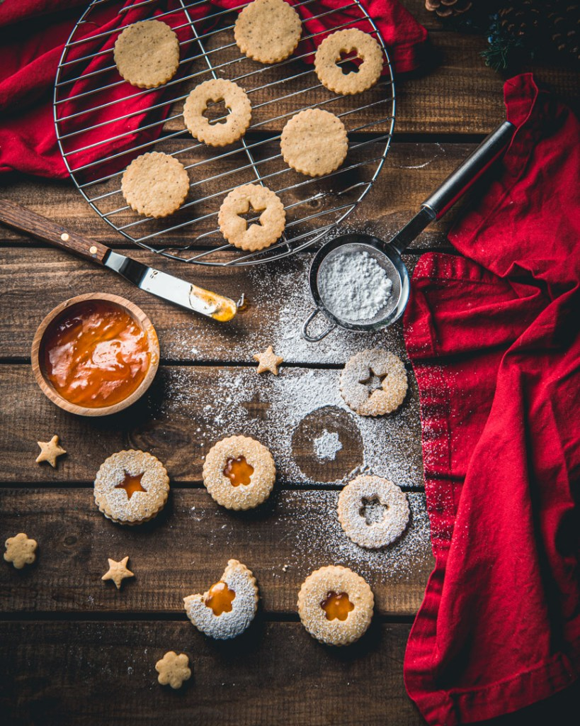 Linzer Cookies with Passion Fruit Filling