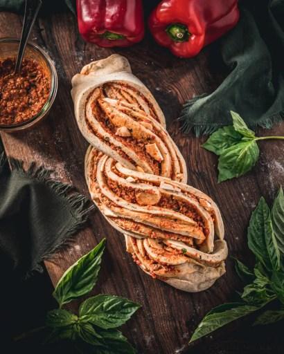 Twisted bread with pesto and mozzarella