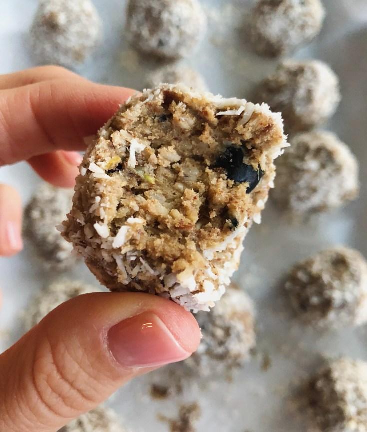 RECIPE | Vanilla, Lemon, Blueberry Fat Bite | CookItHealthier.com