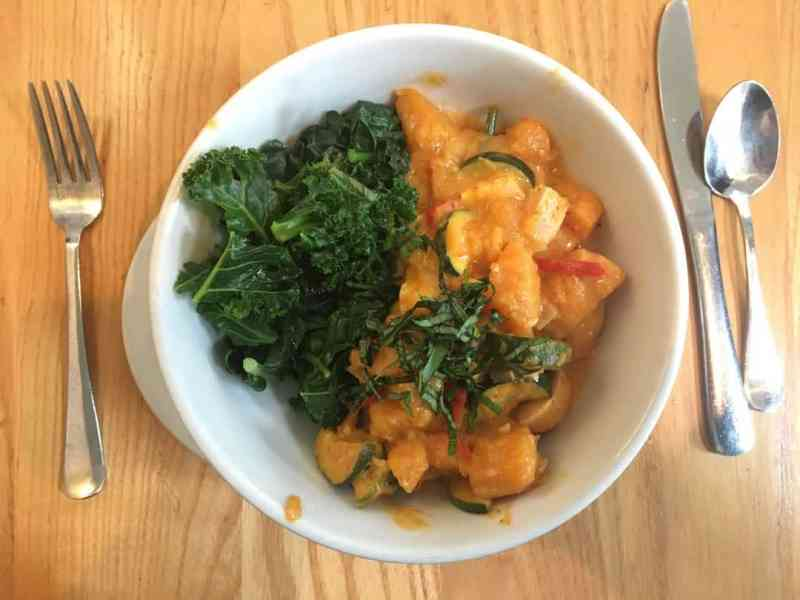 Curry Bowl with Greens at The Steeping Room in Central Austin