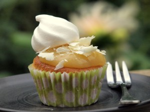 Low FODMAP, lemon meringue cupcake