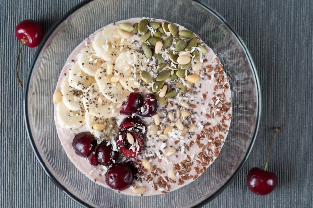 Banana cherry smoothie bowl recipe