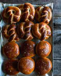 pretzels and buns-1