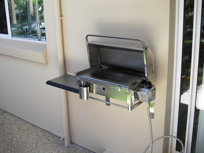 Wall mounted BBQ with balcony bracket