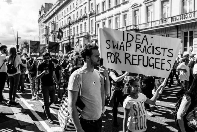 the-solidarity-with-refugees-march-12092015_21188564228_o