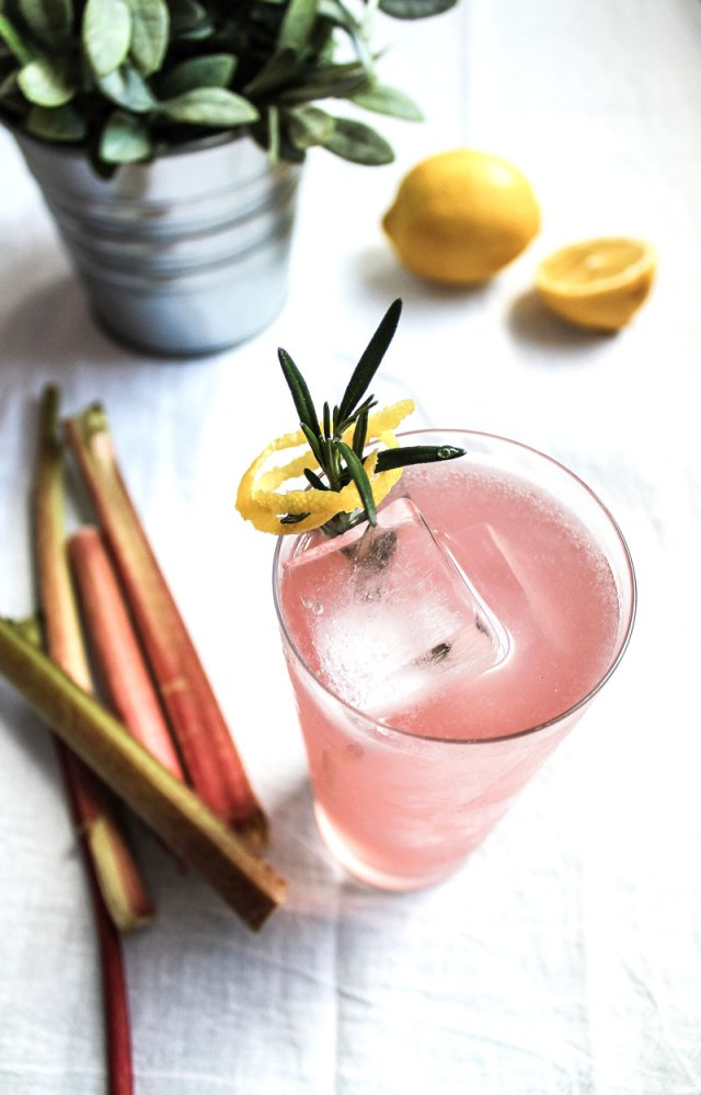 Rhubarb and gin cocktail recipe