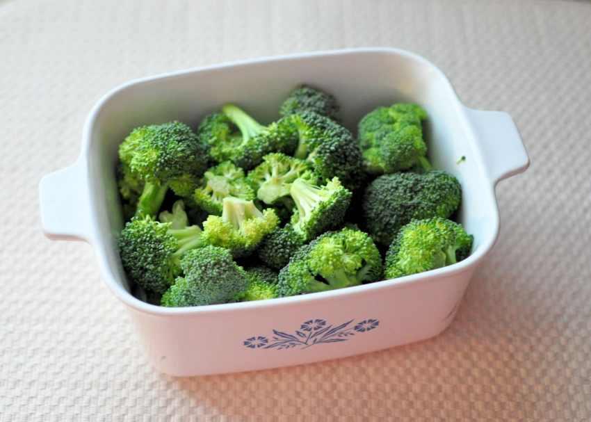 Super Easy Chicken Divan broccoli in bowl