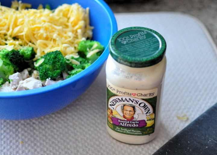 Newman's Own Roasted Garlic Alfredo sauce for Super Easy Chicken Divan