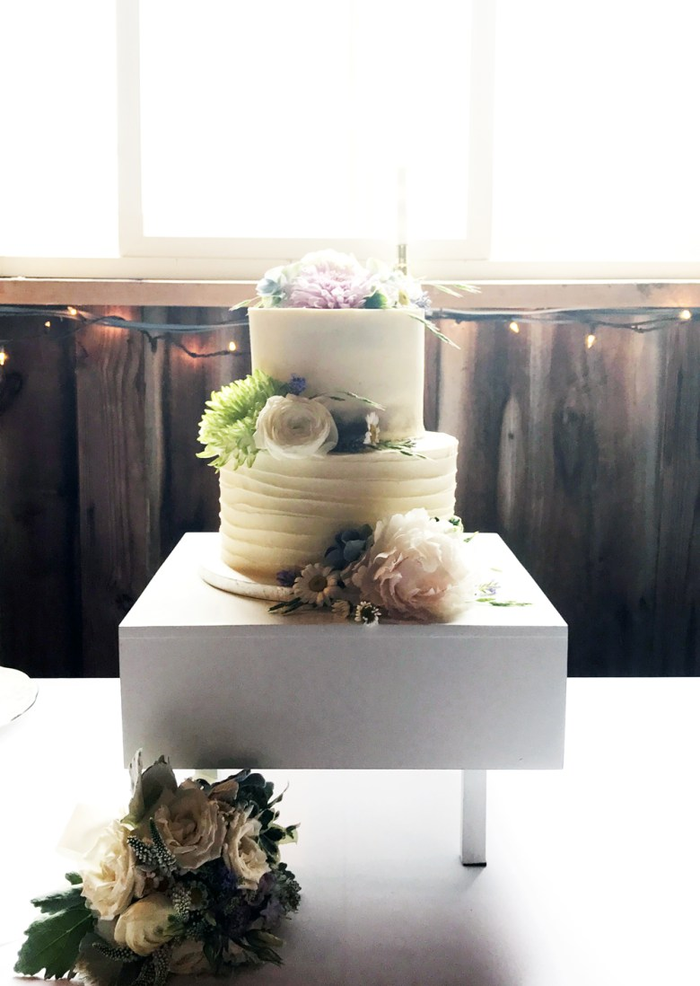 wedding cake backlit