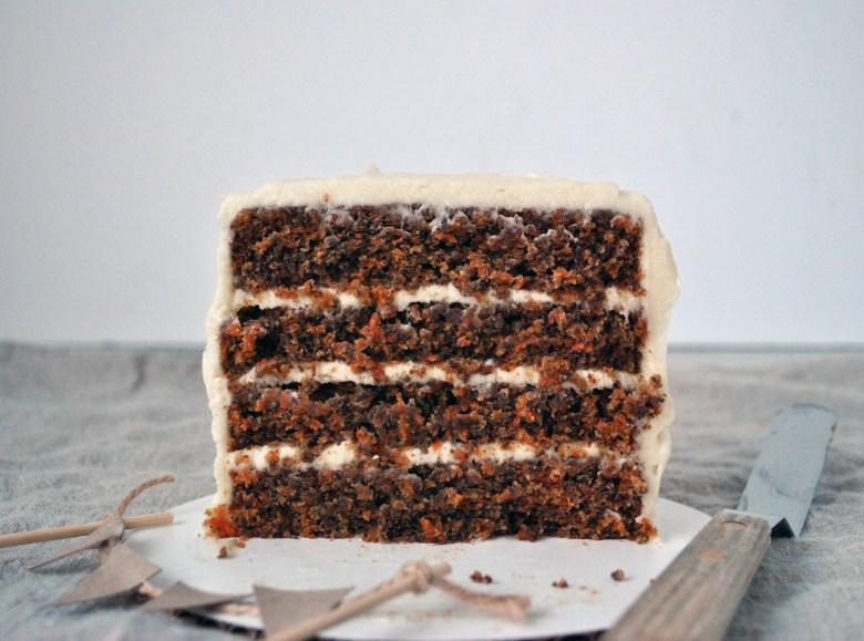 mini carrot cake cut