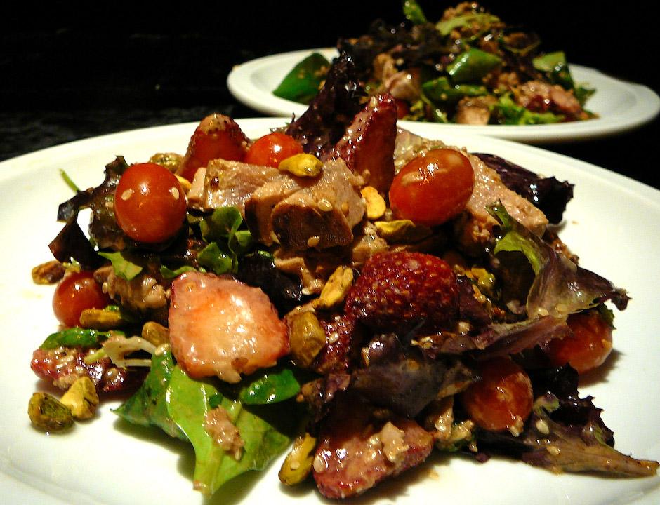 ahi-salad-served-22