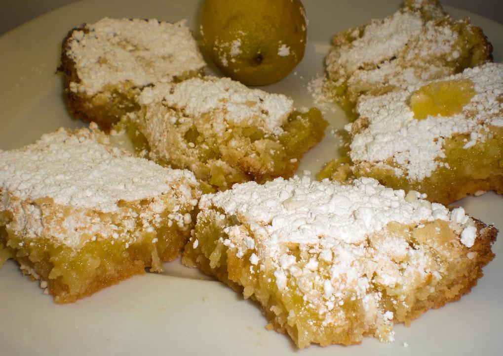 lemon-bars-served-2