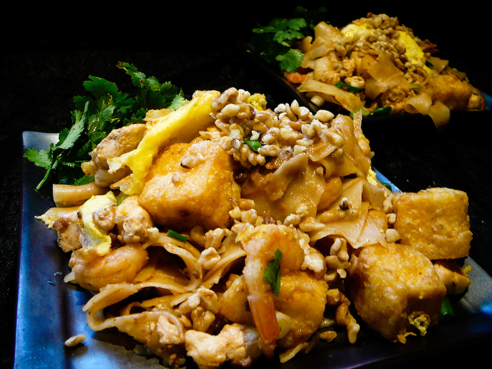 pad thai me up served 2