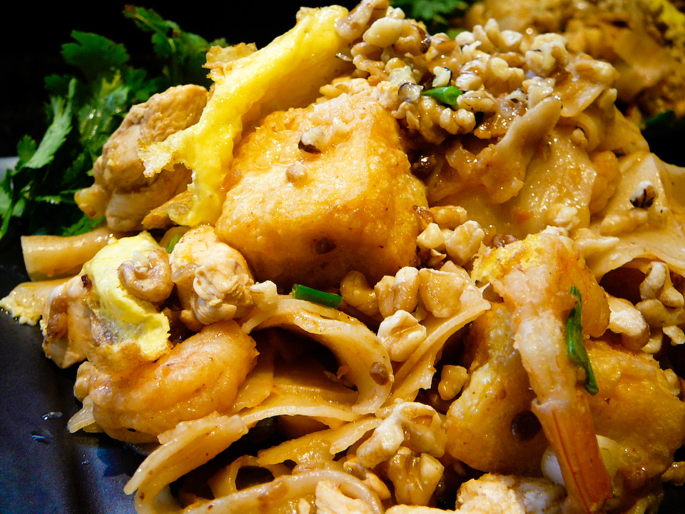 pad thai me up served
