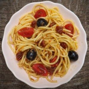 Spaghetti with sun-dried tomato