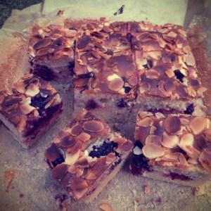 Blackberry and almond traybake
