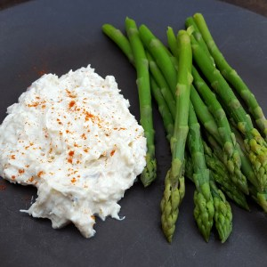 Asparagus with crab dip