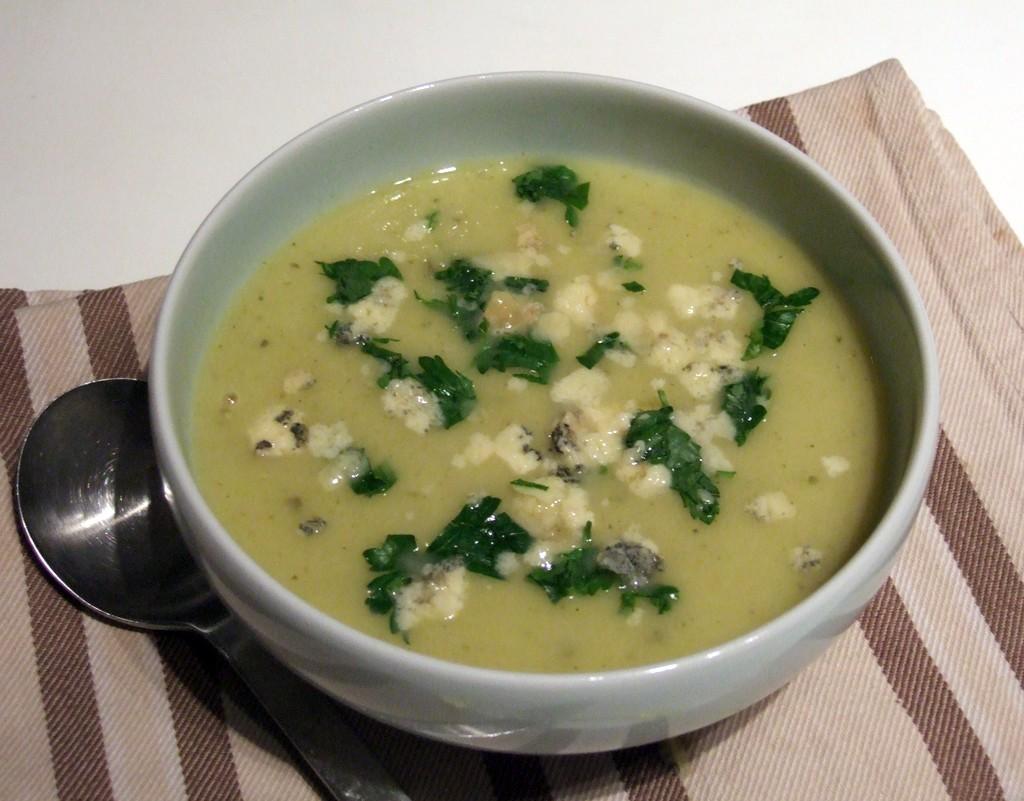 Spanish leek soup
