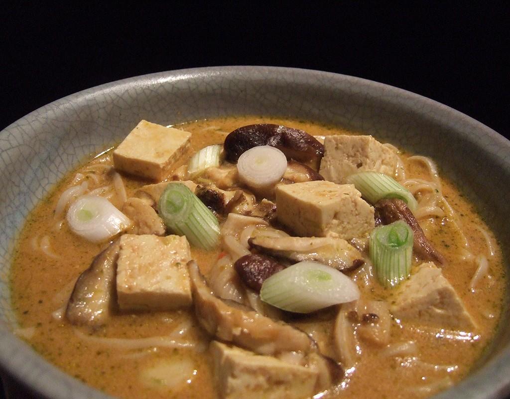 Mushroom and tofu laksa