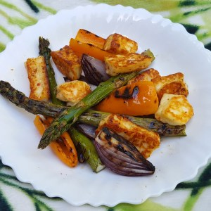 Charred vegetables with spiced halloumi