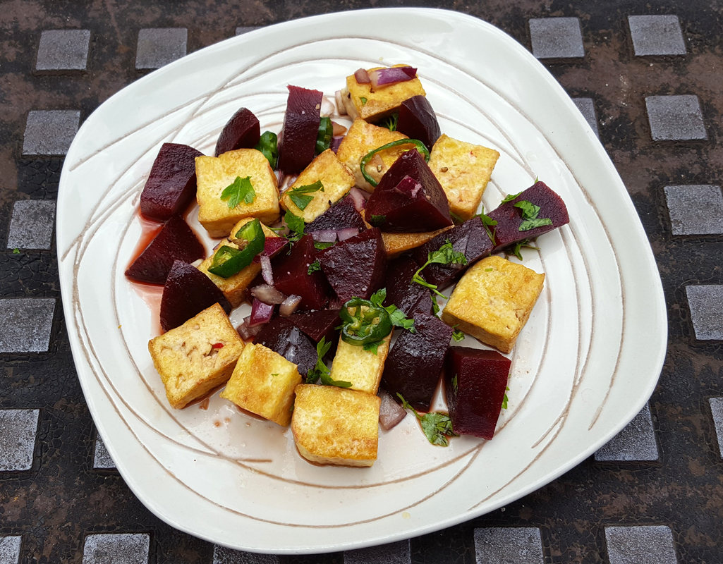 Sweet and spicy tofu and beetroot salad